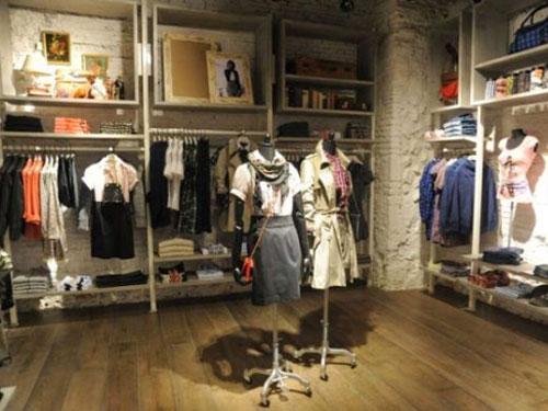 Địa chỉ chuyên nhận làm giá kệ treo quần áo shop thời trang bằng sắt