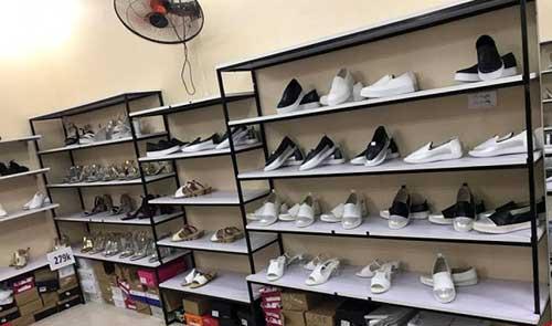 Kệ trưng bày giày dép- MS04